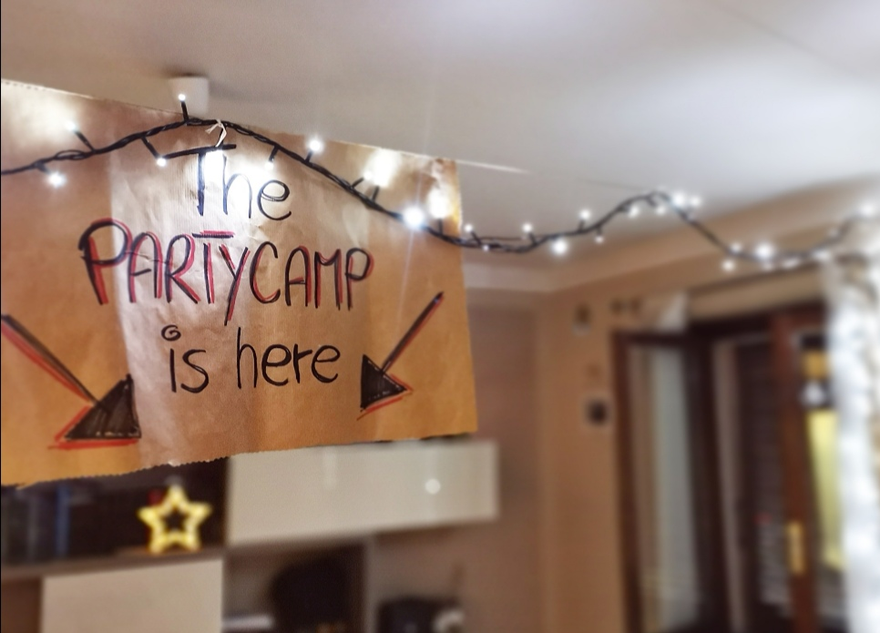 fratelli giochidacasa campeggio indoor fuoco famiglia weekend party