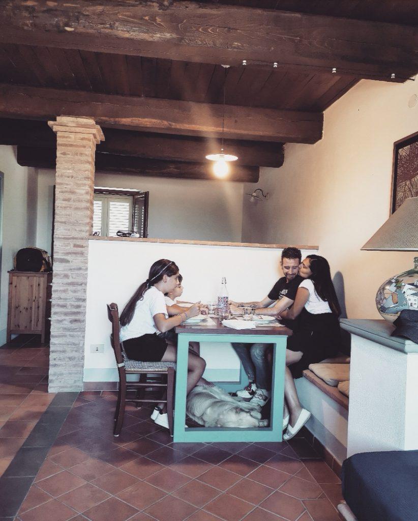 borgosolario agriturismo umbria castiglionedelago vacanze relax saladapranzo family famiglia