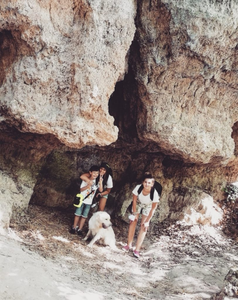 sdressedmom sdresseditaliantour travelfamily cascatadellemarmore umbria gitainfamiglia vacanze estate famiglia grotte