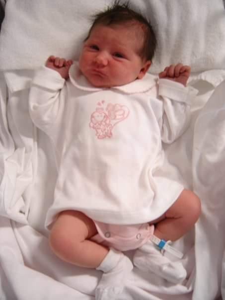 babbo figlia padre genitore amore crescere neonata newborn