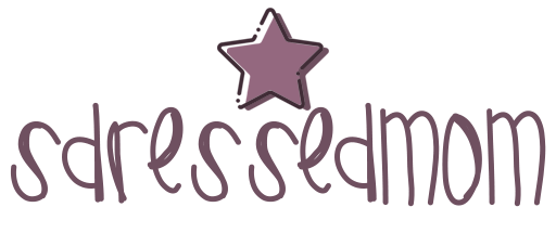Sdressedmom logo